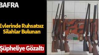Evlerinde ruhsatsız silahlar bulunan şüpheliye gözaltı