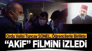 """Vali Sonel, Öğrencilerle Birlikte """"AKİF"""" Filmini İzledi"""