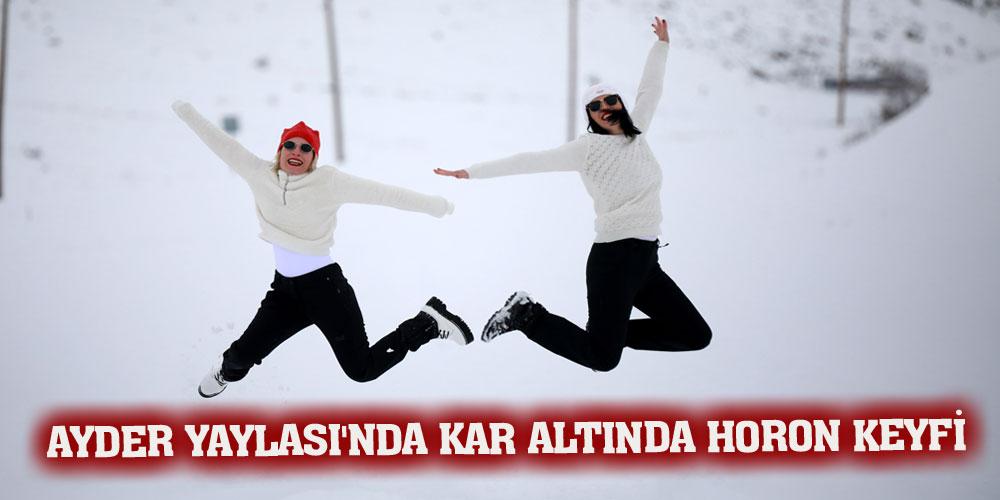 Ayder Yaylası'nda kar altında horon keyfi