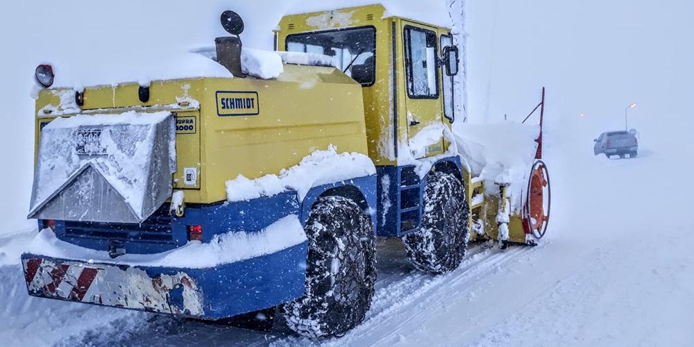 Kardan kapanan köy yolları ulaşıma açıldı