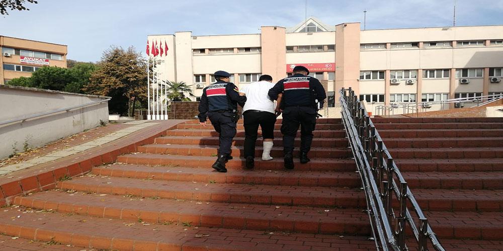 Cezaevi firarisi, jandarmadan kaçarken ayağını kırdı