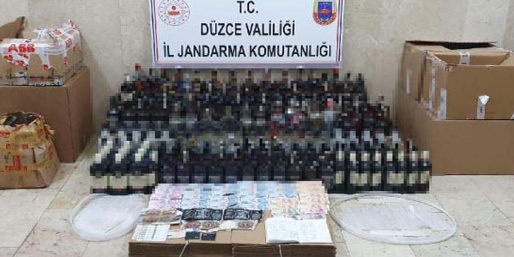 Kaçak içkiler kanepenin altından çıktı