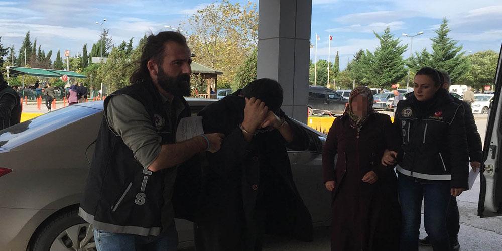 Anne, 2 oğlu ve akrabalarına uyuşturucudan tutuklama